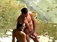 Verdammtes durch das Wasser