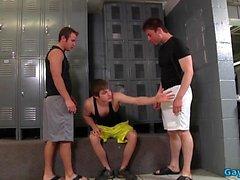 Big Trio gay avec éjaculation