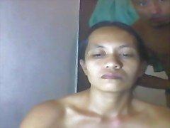philippines maman de Shanell danatil jouer nu avec robinet à