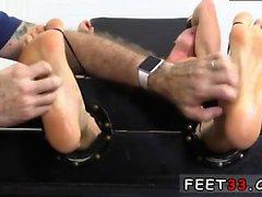 Молодежь легких Мальчикам по кожа геев сексуальные ноги еще XXX Кристиан Tickled По