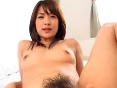 Брюнетка азиатские волосатая подросток оральные службы в ванной комнате