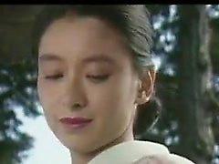 Lustful japanische Frau hat ihre sexy Lippen arbeiten ihre Magie