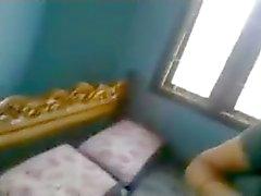 esposa caliente indio a las pollas de novio joven en el hogar