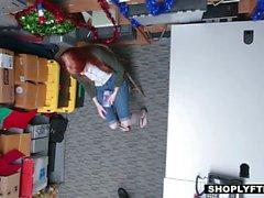 Shoplyfter - ROUSSE Cutie Pays Prix pour Stealing