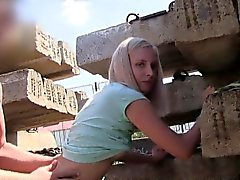 blondebangs Checa magros pov outdoor em público