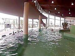 nettes Spiel ansehen Unterwasser