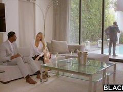 Geschwärzt Nicole Aniston Ist Double Teamed von BBC auf ihrem freien Tag