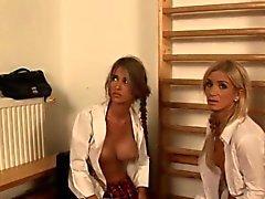 Al Sr. Grey en de película de porno que muestra copulan del fetiche el BDSM