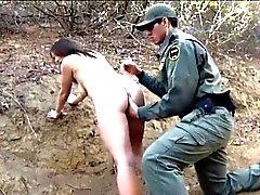 Grenze zu Mexiko Patrouille Agenten fickte Amateur Brünette Hottie