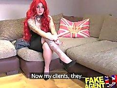 FakeAgentUK casting aficionados el sofá obtiene creampied contra el escritorio