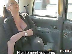 Taksi ile monster memeler British amatör