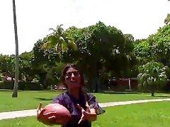 De BFFS - Entrenador de fútbol folla cachondas adolescencias