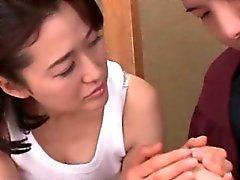 Grande séduit l'étudiante Japon gars mûr titted et la qu'il défonce le
