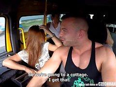 Ultimative Hardcore Orgy in der tschechischen BANG Bus