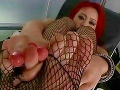 мия lelani демонстрируя свои секси ногами