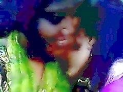 Desi бангладешский Lesbian Лайма Ахтер а Kaniz целоваться