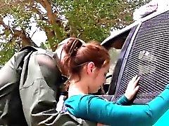 Petite Mexican Teen beim Überschreiten der border rigoros gefickt