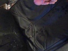 Большой нагрузкой на My кожаный стул VII