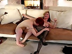 Nina Hartley sowie Lily Cades lez Griff