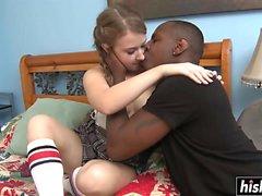 Hot schoolgirl blir knullad av hennes lärare