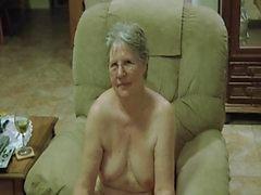La abuelita Cum Cepillo de dientes