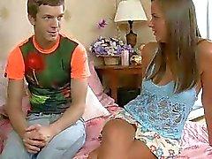 Kinky tiener aanbidt volwassen lul