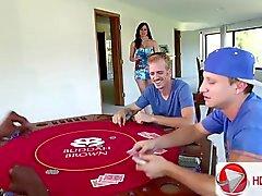 Otebal другую укомплектовывает личным составом жена после того игре в покер Kendra Lust Milfs знакомства Ищет мальчиков HD