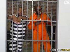 Subil Arc prend deux BBCS en prison