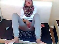 Arábia vagabunda se masturbando Vestindo on Cam