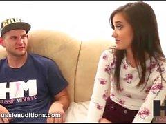 Hussie Auditions - Big Butt minuscule Gia Paige dans sa première audition réel
