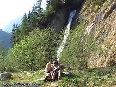 Cazzo selvaggio in montagna