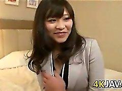 Japanische Mädchen mit haariger Muschi
