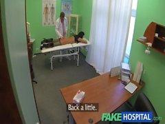 FakeHospital Día Maduras sexy y Madres para Coger dispone de una confesión de hacer del sexo