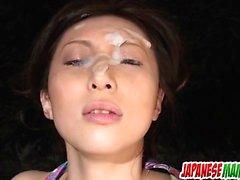 Noeru Fujiki ile tatlı solo mastürbasyon porno şovu