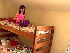 systers behöver hjälp med sover