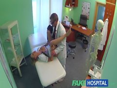 FakeHospital Heißer Krankenschwester Felgen dem Weg zu einem Gehaltserhöhung