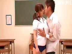 UND TITTENFICK Japanese titsjobing