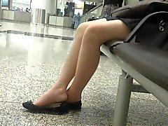 Откровенные сексуальных азиатской 18летняя Подростка Ножки Ножки Shoeplay Висячие