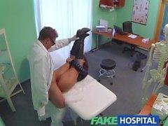 Sahte bir Hastanesi Cinsel Tercihler Cinsel arıtma acı güzel bir bir busty hastada inliyor dönüşür