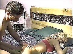 Девушкой отсасывания своего спящего парня