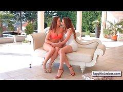 Sapphic Erotica Lesbisk med gratis film från sapphiclesbos 20