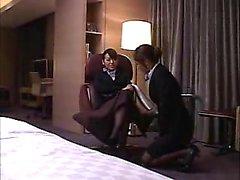 Classy Oriental babes em meia-calça entrar em torridas lesbia