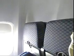pornthey - caldi moglie MILF si dita sul aeroplano commerciale