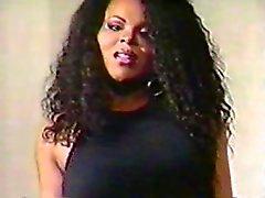 Göğüs Uçları Videolar