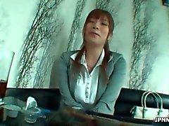 reizvolles asiatisches Büroangestellte Reife