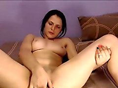 Braunhaarig Jetzt Camgirl Orgasmus dem Finger Befriedigung über Webcam