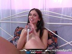 Wetandpuffy - Doble penetración jugando para la hermosa morena Ann O Fee