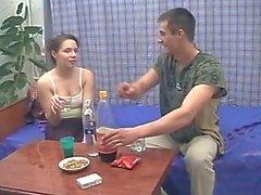Drunk Geschwister Bumsen während sich die Eltern nicht zuhause