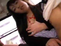 Insaziabili ragazze giapponesi condividono il loro desiderio di carne dura