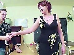 Sex Teacher Show Junger Mann Wie man in der Lektion schwanger wird